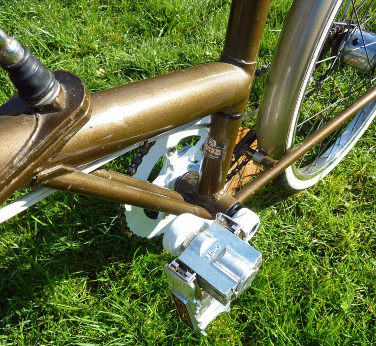 A similar view but showing the pedal in folded mode. The difference may not sem much but a pair of such pedals can reduce the stored width of the bike by about 5 inches (12.5 cm)