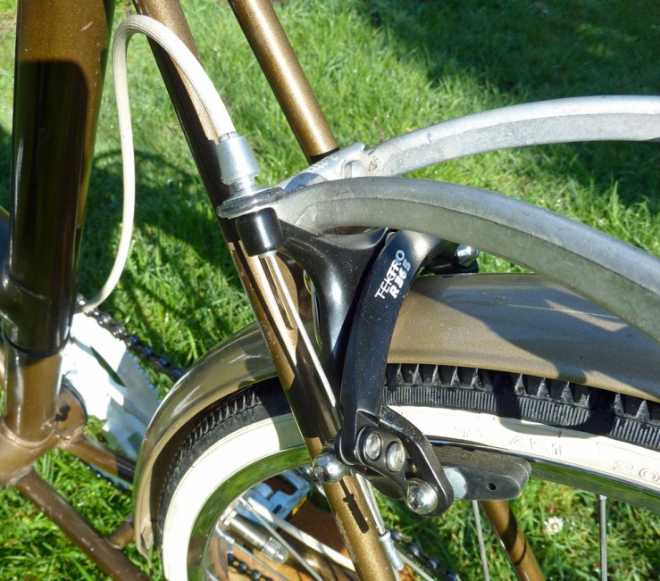 Despite the long reach of these brakes, the fixing hole for the rear brake calliper needed to be elongated downwards by a few millimetres to get the brake blocks low enough to avoid the risk of them rubbing on the tyre sidewall during braking. Slightly longer brake arms would avoid this problem.